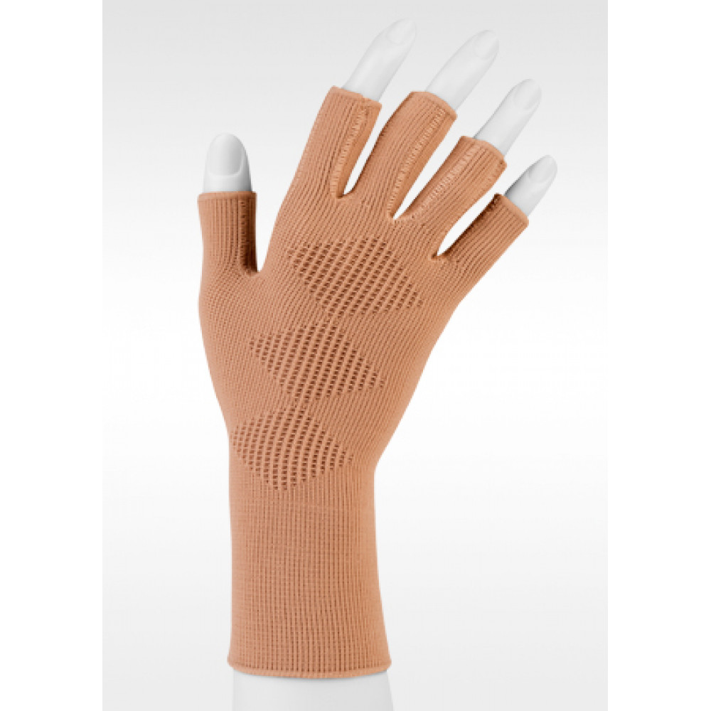 f60f6d31370e15 Expert Compression Glove with Cooling Vent by Juzo